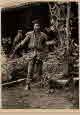 옛 매사냥 경기: 중국 북부 사냥매를 가지고 있는 소년
